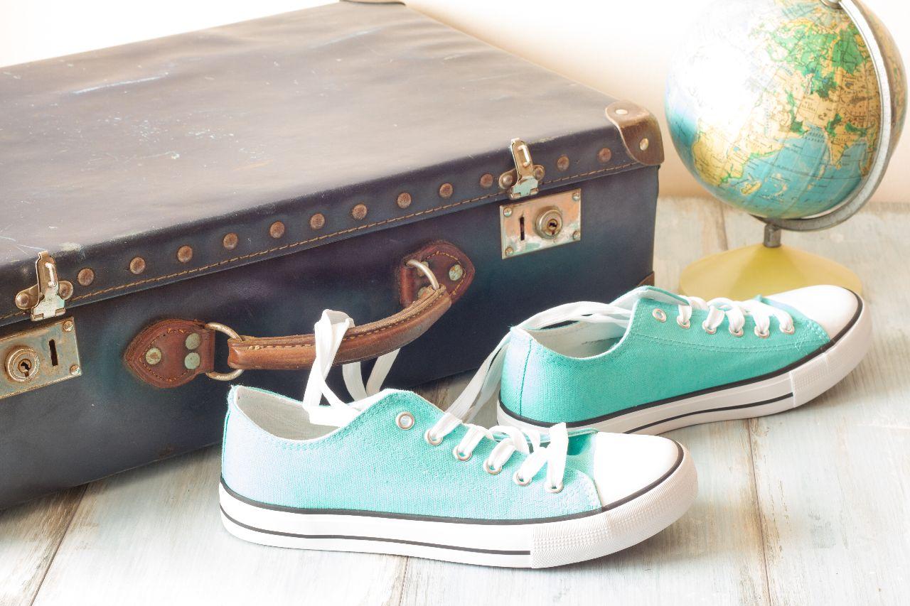 Decoración comercial en tiendas de moda para el verano